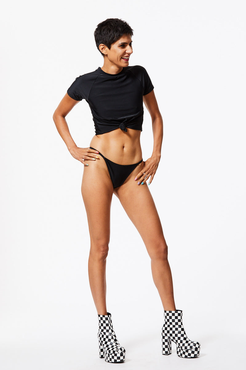 BLACK DIAMOND SWIM T-SHIRT & HIGH-CUT BIKINI SET