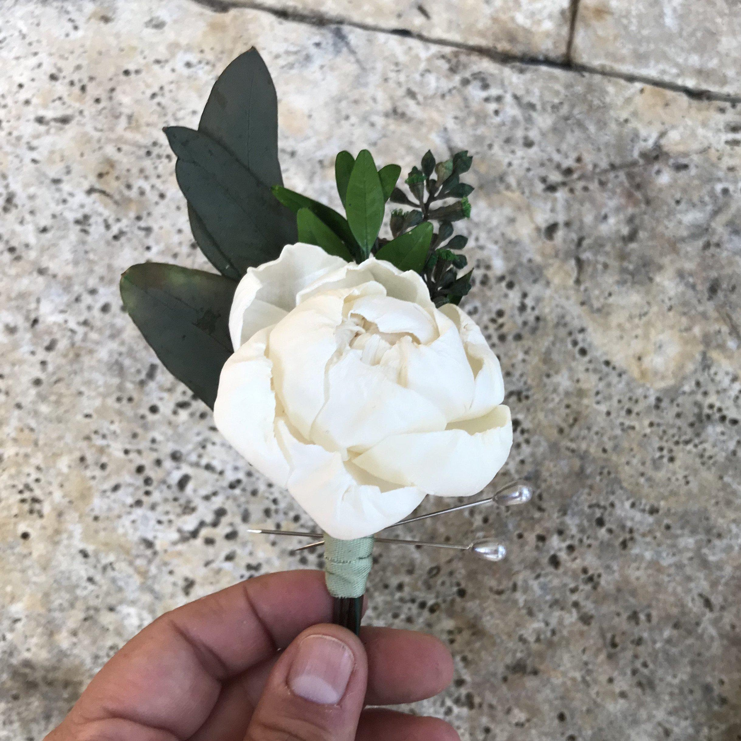 Peony Groom Boutonnière - Wood flowers Bouquets, Boutonniere, wedding Floral Decor & Accessories - Papiro Wood Flower Designs