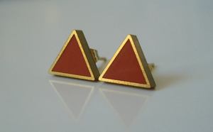 Gold Triangle stud (10mm)