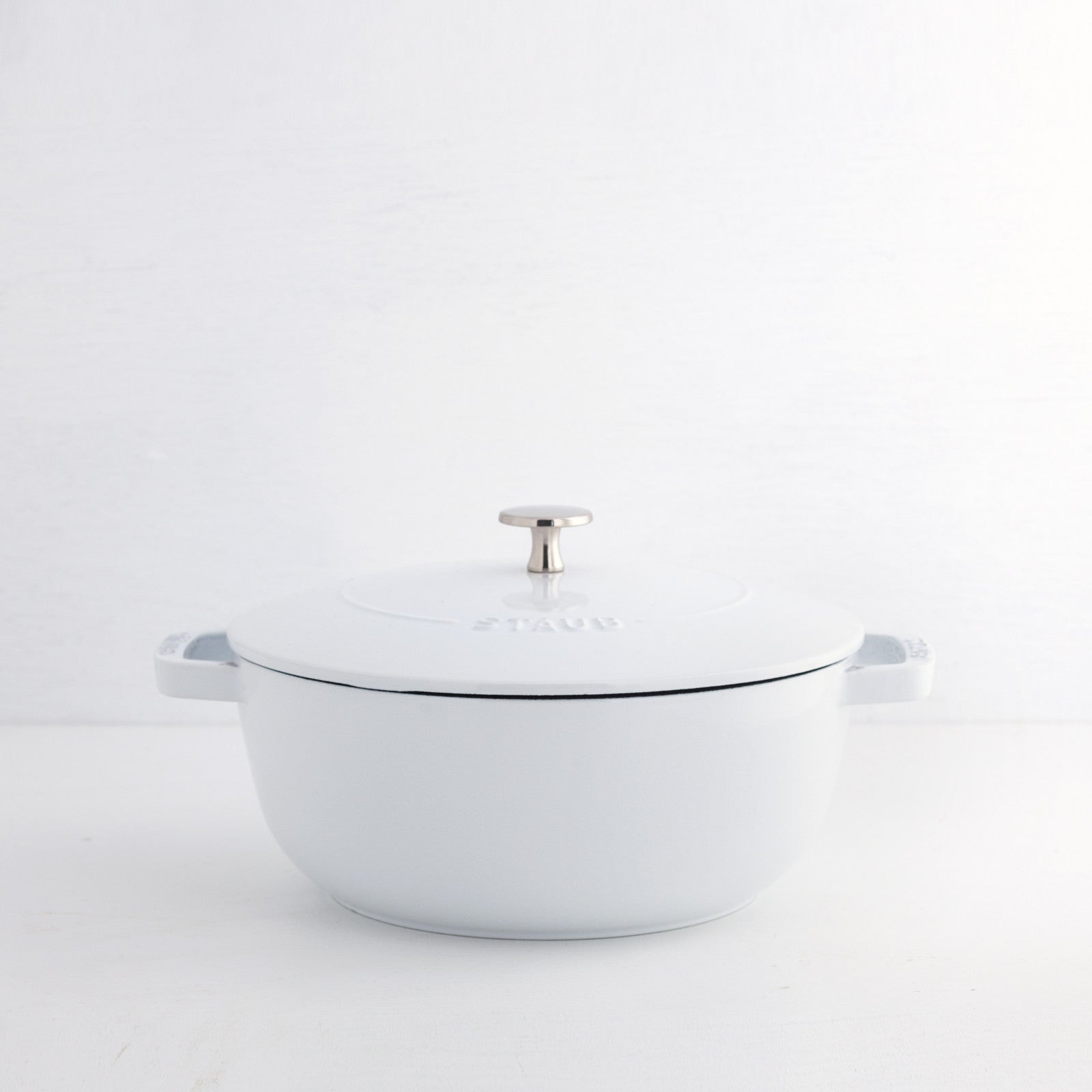 Staub Essential French Oven, White