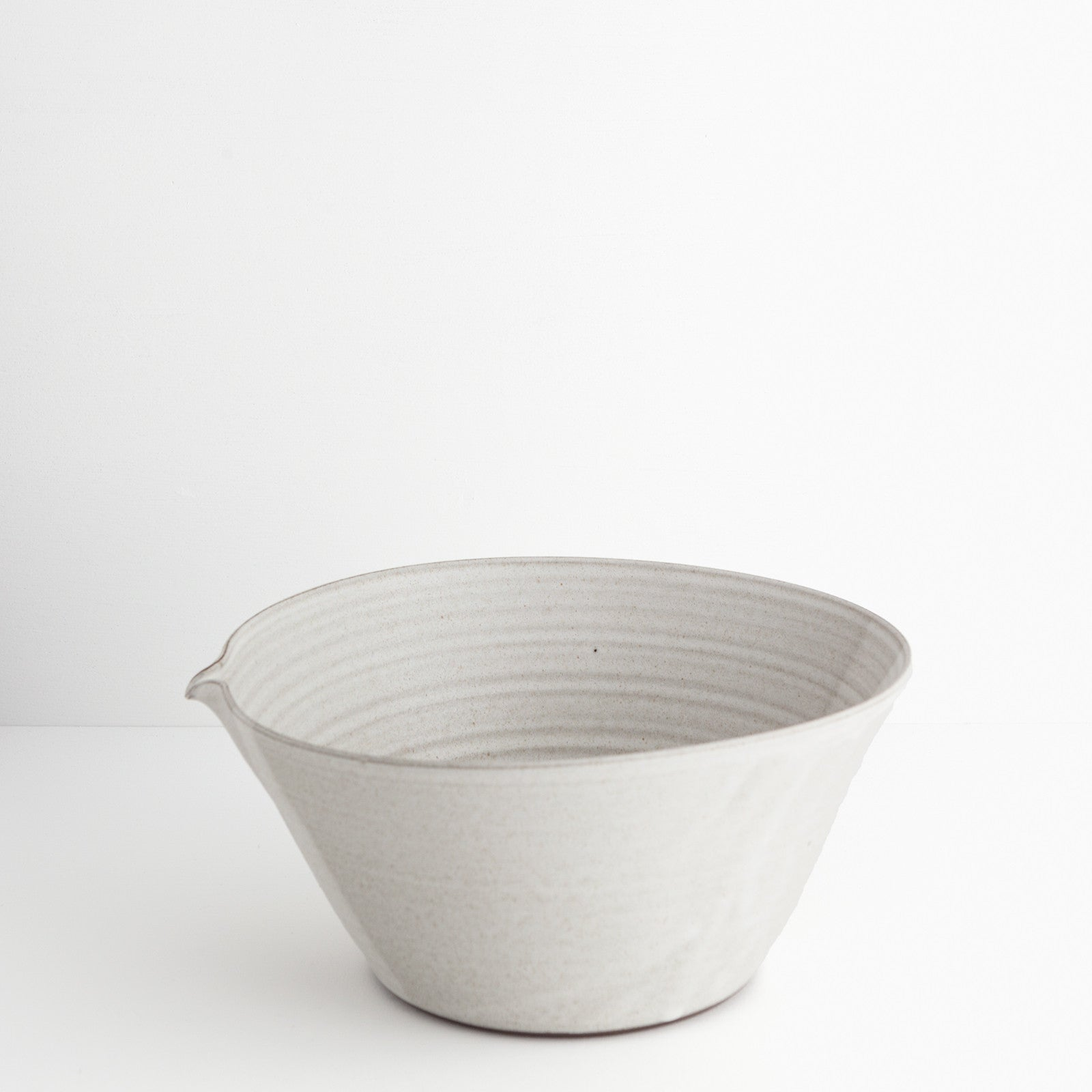 Large Stoneware Bowl w/ Spout, Oatmeal