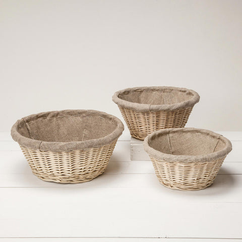 Linen-lined wicker bread baskets