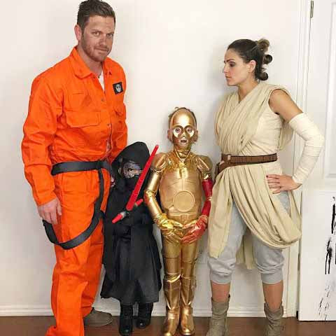 famille star wars cosplay famille rey et droides