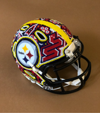 Mini casco de los Steelers huichol