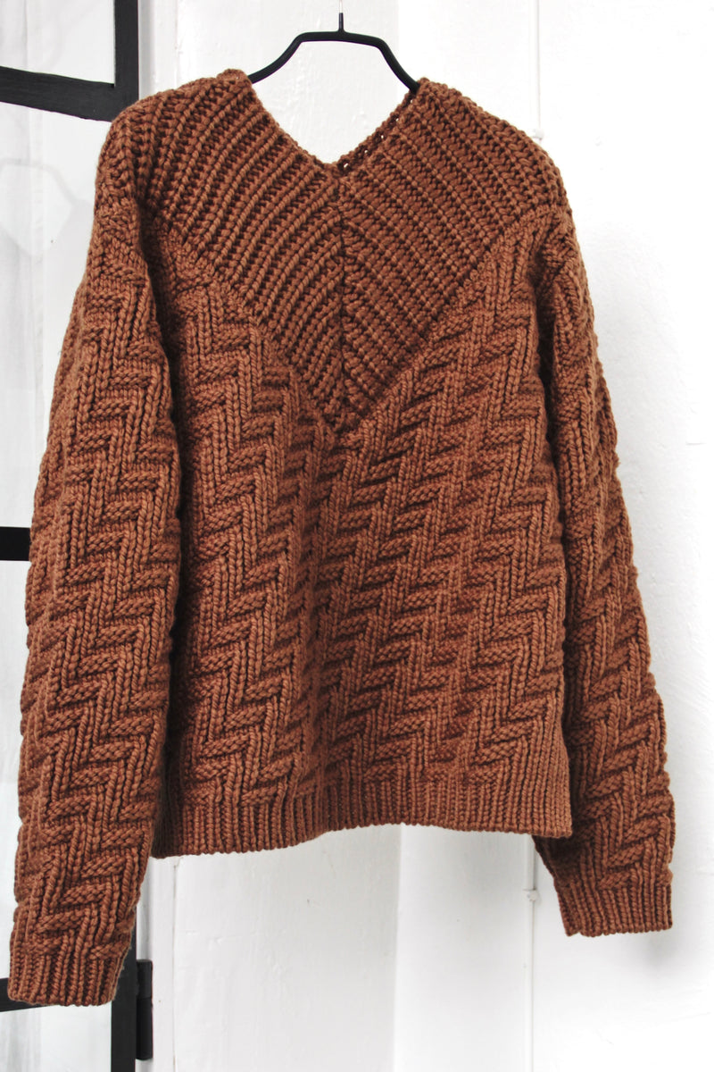 No. 76 Zig zag sweater brown