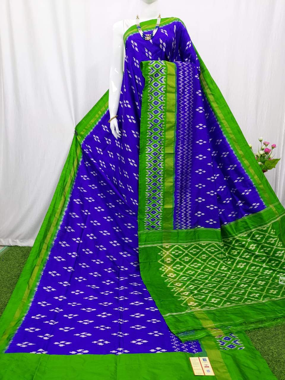 Pochampally Semi Ikkat Violet Saree & Parrot Green Border