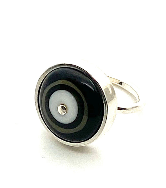 Simple Circle Ring Black and White and Sterling Silver Framed US Size 7
