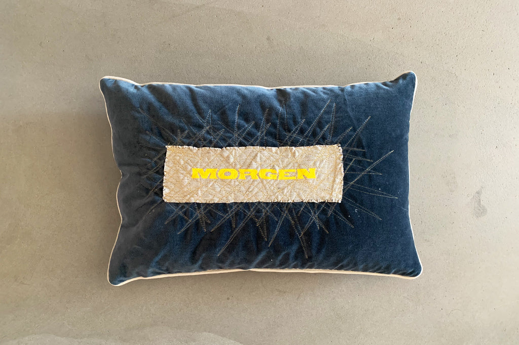 MORGEN Cushion blue velvet