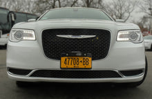 Load image into Gallery viewer, 16 Passenger Chrysler 300 Limousine - NY Wine Tours