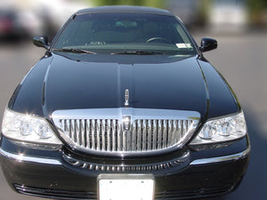 12 Passenger Lincoln Limousine - NY Wine Tours