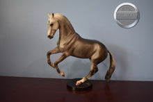 Load image into Gallery viewer, Eagle and Pow Wow-Classic Indian Set-Breyer Classic