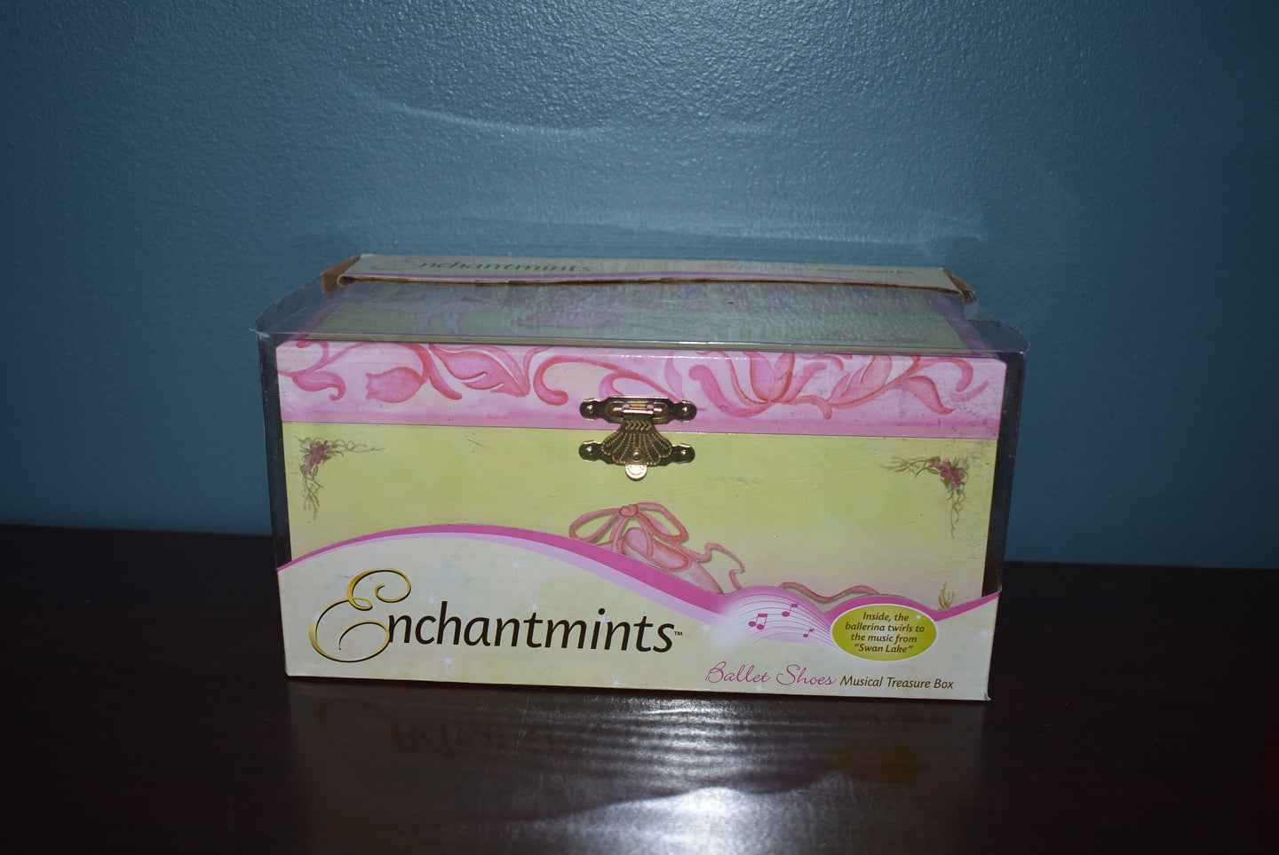 Enchantmints Ballet Shoes Musical Treasure Box-Breyer Accessory