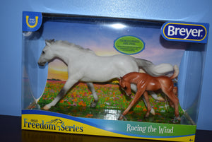 Breyer Classic Racing the Wind Set-New for 2020