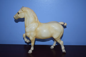 Goliath-Palomino Belgian-Breyer Traditional