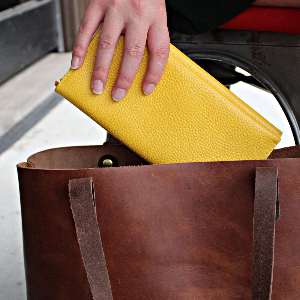 The Illuminating Yellow Leather Minimalist Wallet by Kerry Noël is the perfect option for Spring/Summer!