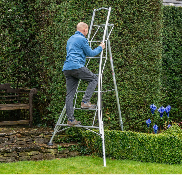 Platform Tripod Ladder - 3 Legs Adjustable 8ft / 2.4m