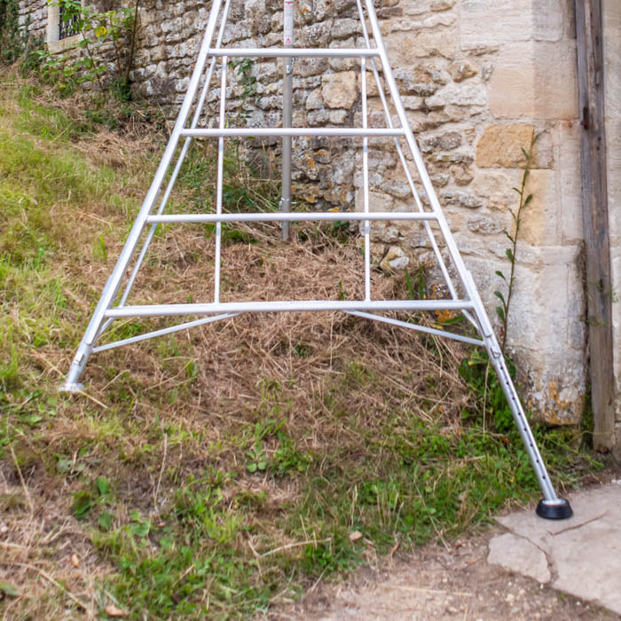Platform Tripod Ladder - 3 Legs Adjustable 10ft / 3m