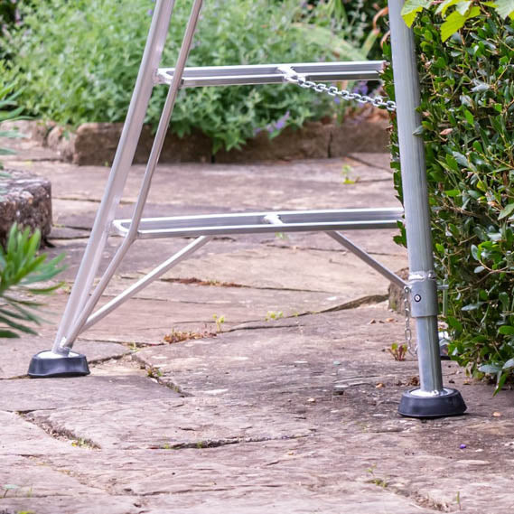 Platform Tripod Ladder - 3 Legs Adjustable 16ft / 4.9m
