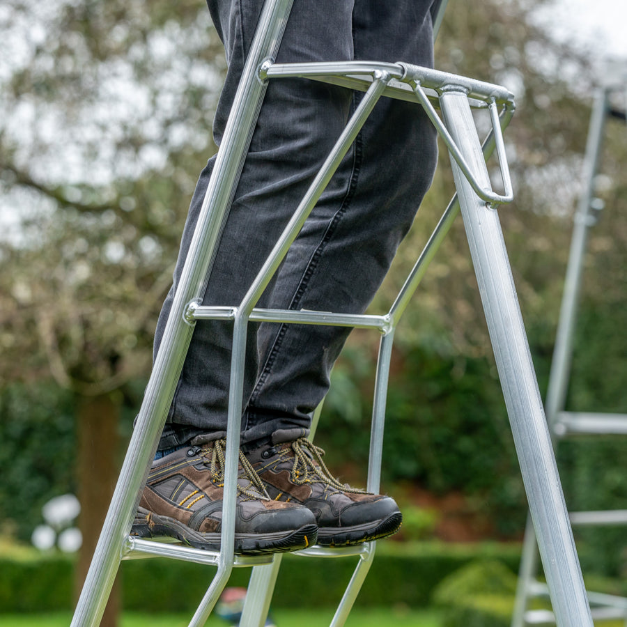 Platform Tripod Ladder - 1 Adjustable Leg 12ft / 3.6m