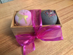 Load image into Gallery viewer, Teacher / Christmas / Birthday Bath Bomb Gift Pack 2