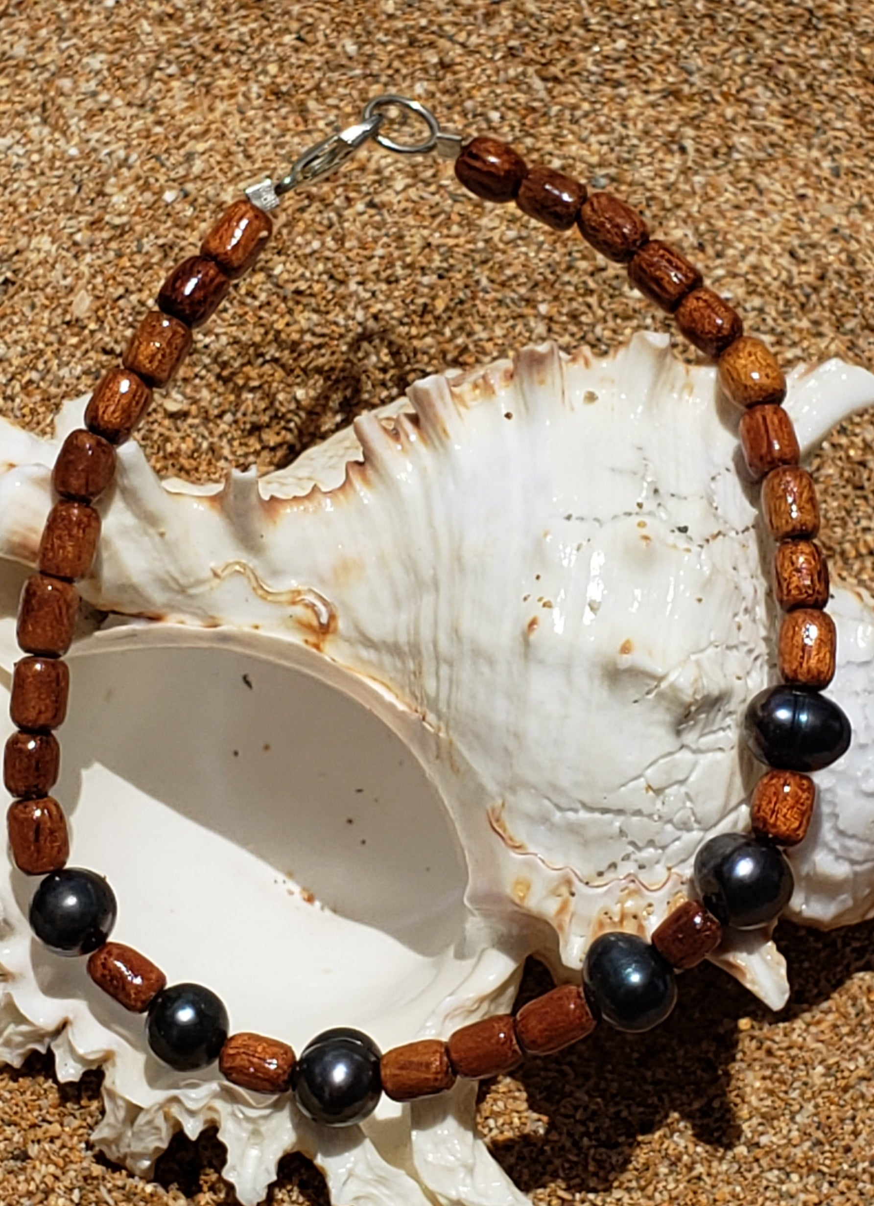 Koa Wood & Dark Fresh Water Pearl Bracelet