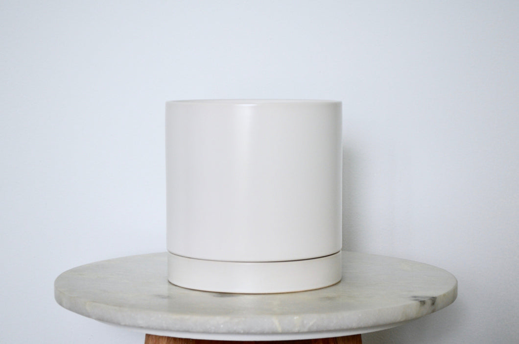 White Pot w/ Tray