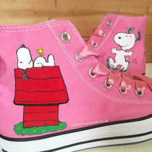 Load image into Gallery viewer, Snoopy - Custom Converse Ltd.