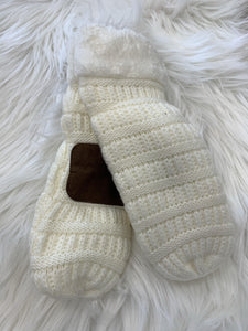 Adult fuzzy mittens - Dreambox Boutique LLC