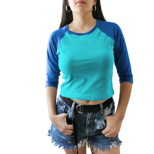 crop top beisbolero azul