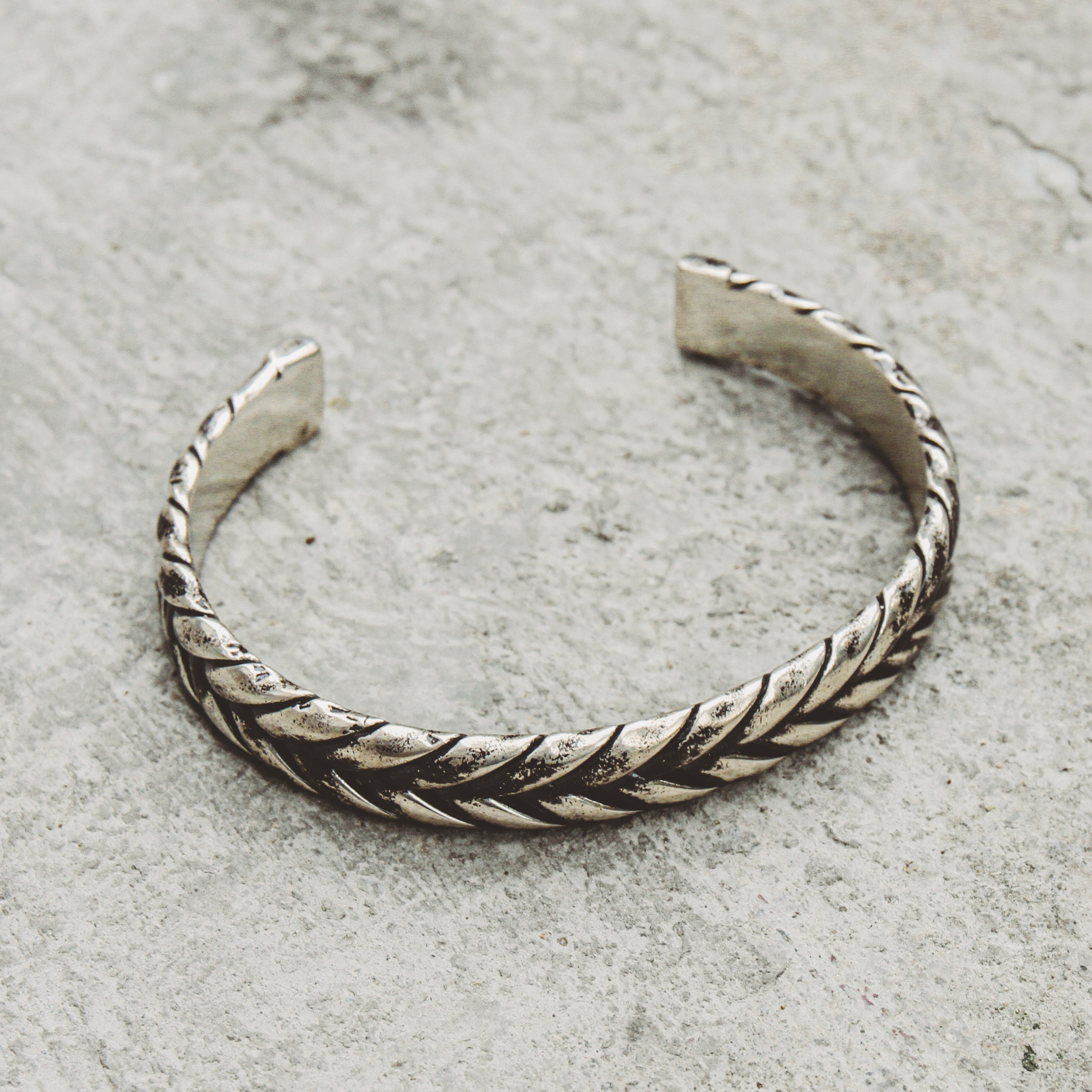 AUTHENIC | Textured Narrow Cuff Bracelet