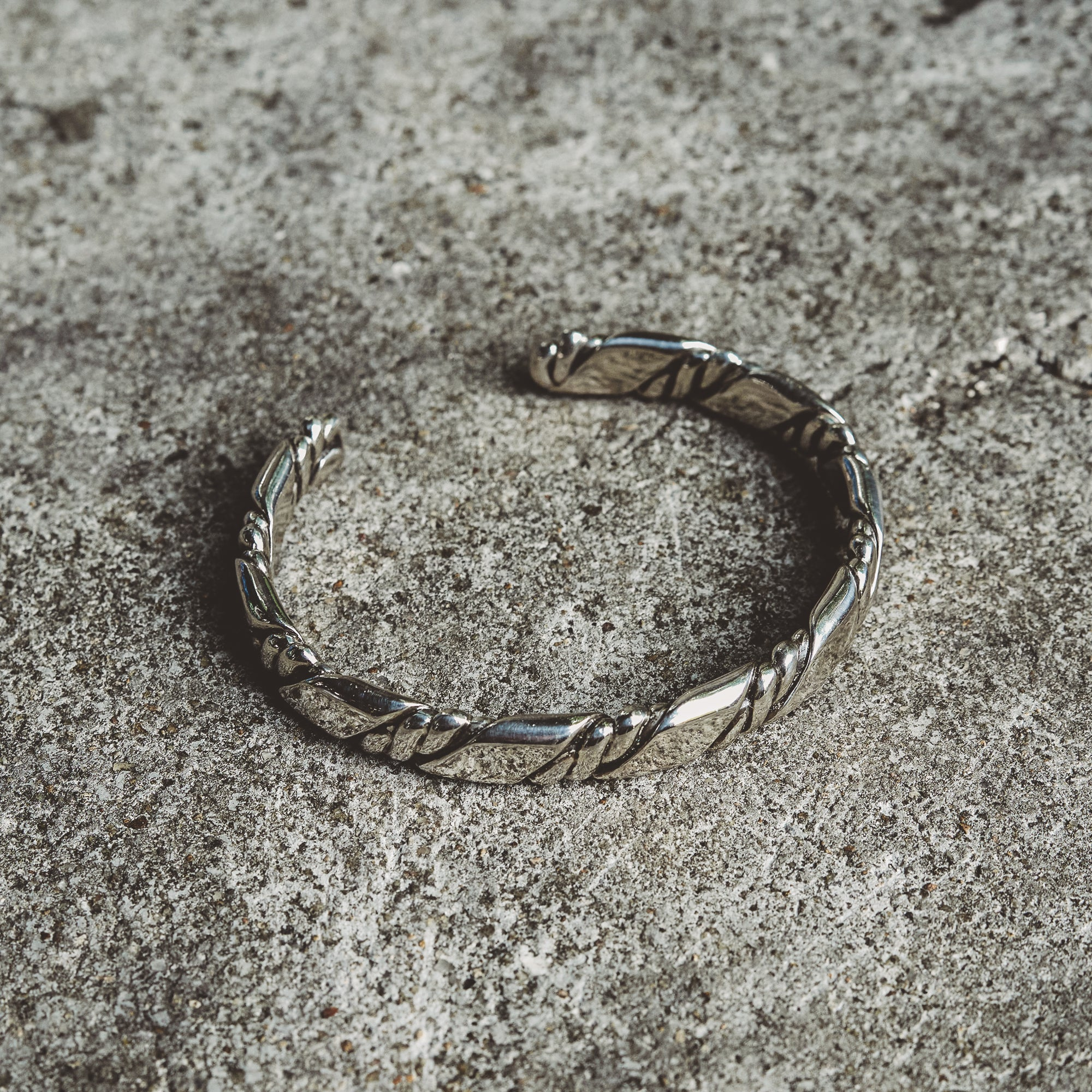 NEXUS | Rhodium Plated Narrow Cuff Bracelet with Rope Details