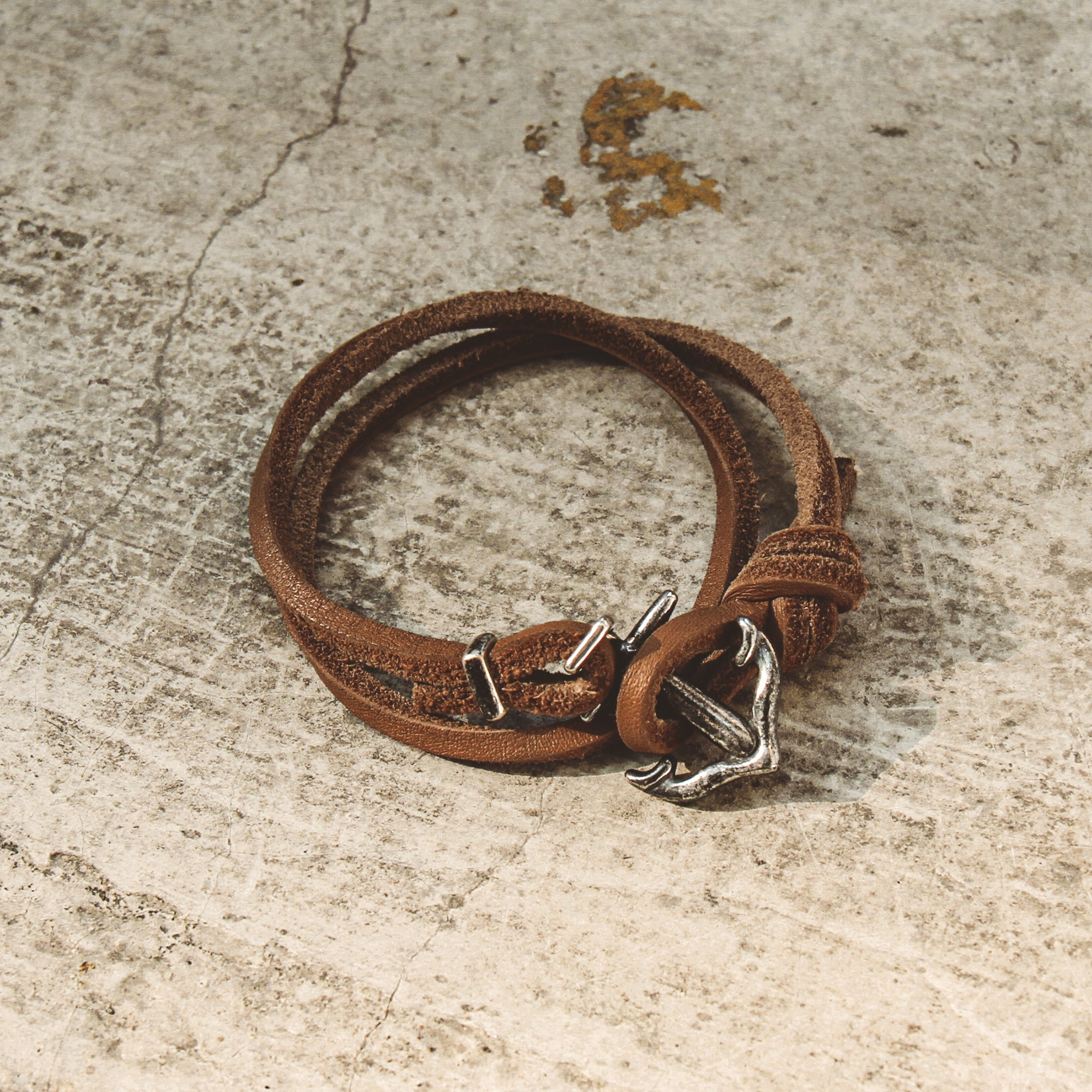 SEAFARER | Brown Leather Knot Bracelet with Anchor