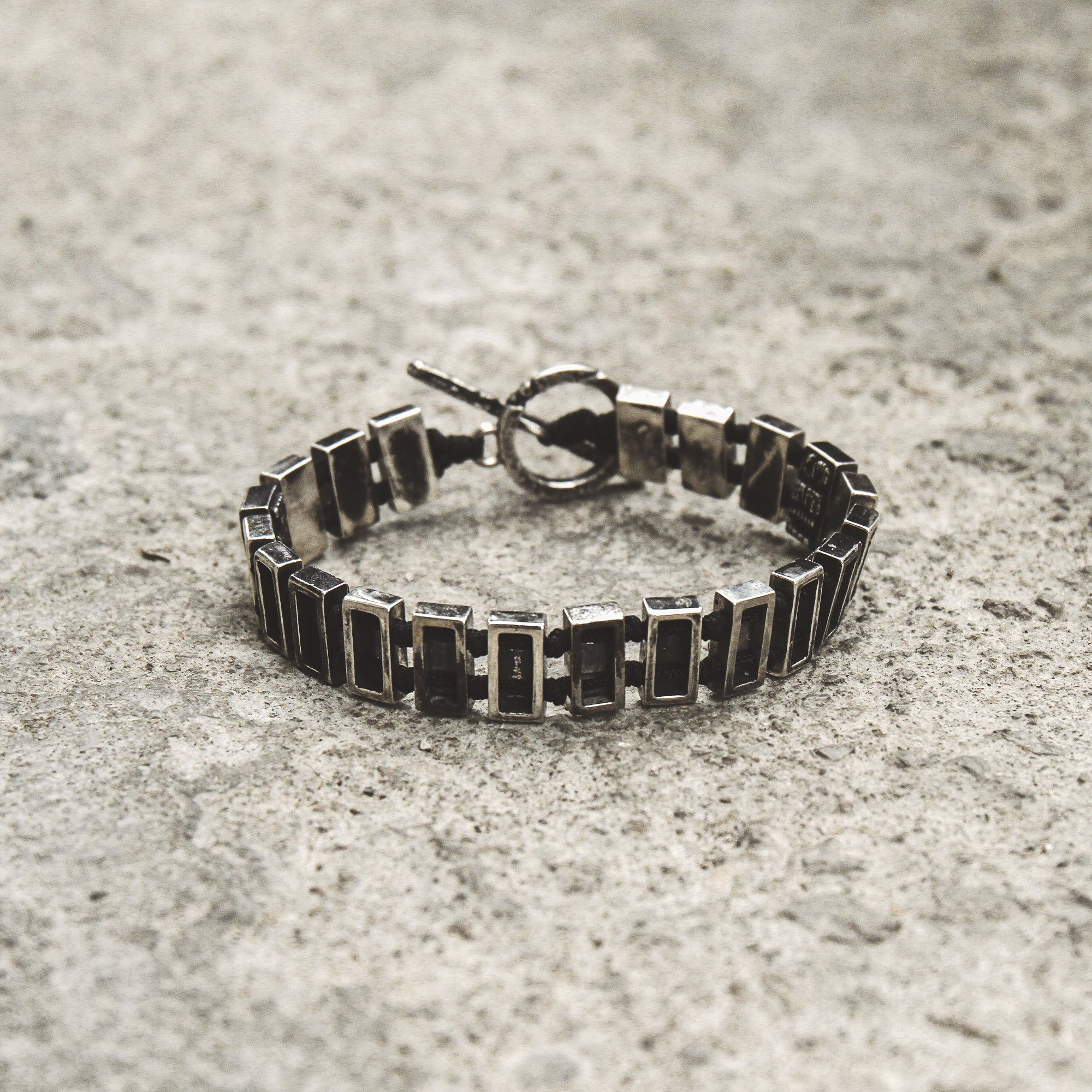 MAJOR | Silver Bracelet with Lettered Bar Links and Toggle Clasp