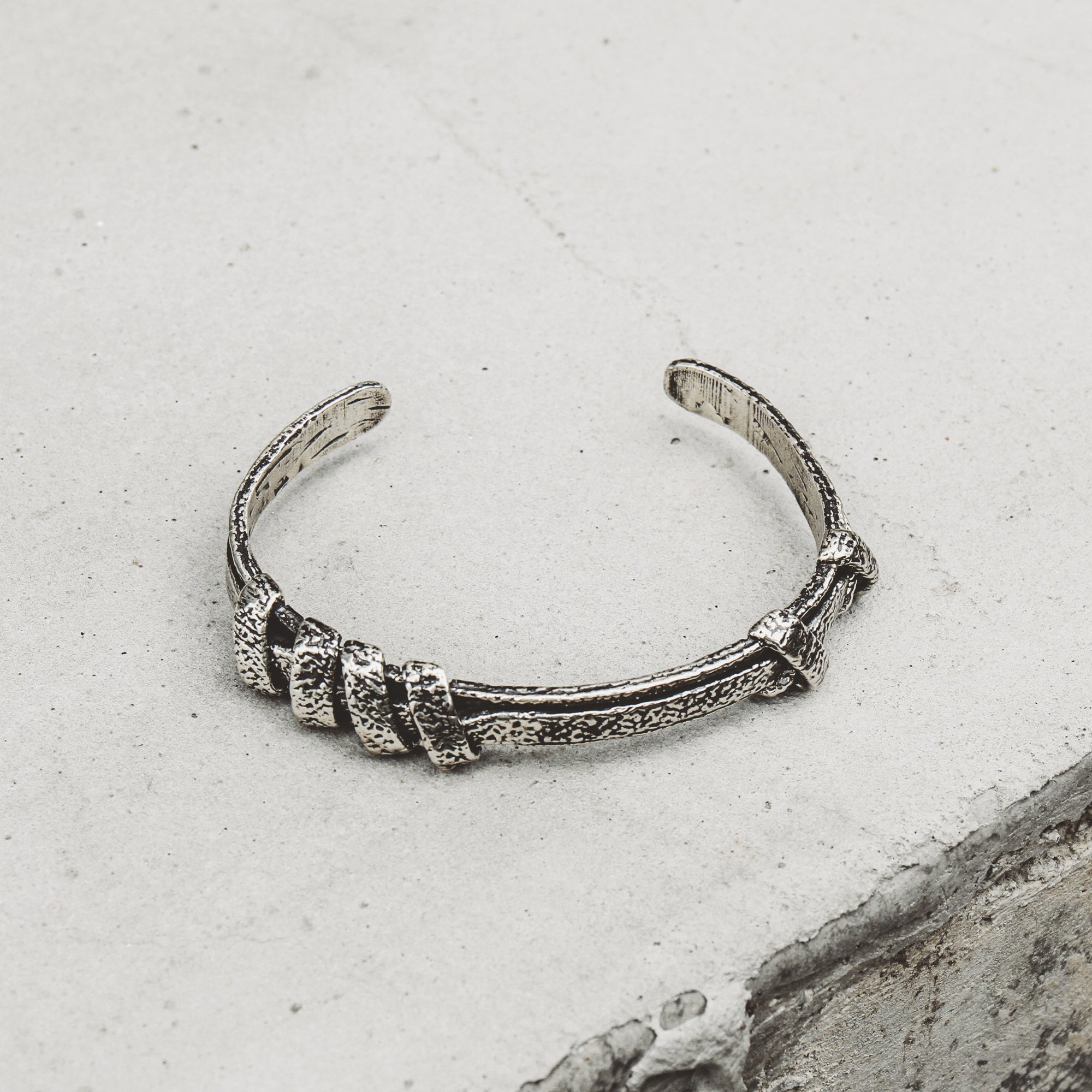 ETERNITY | Narrow Cuff with Roped Bands