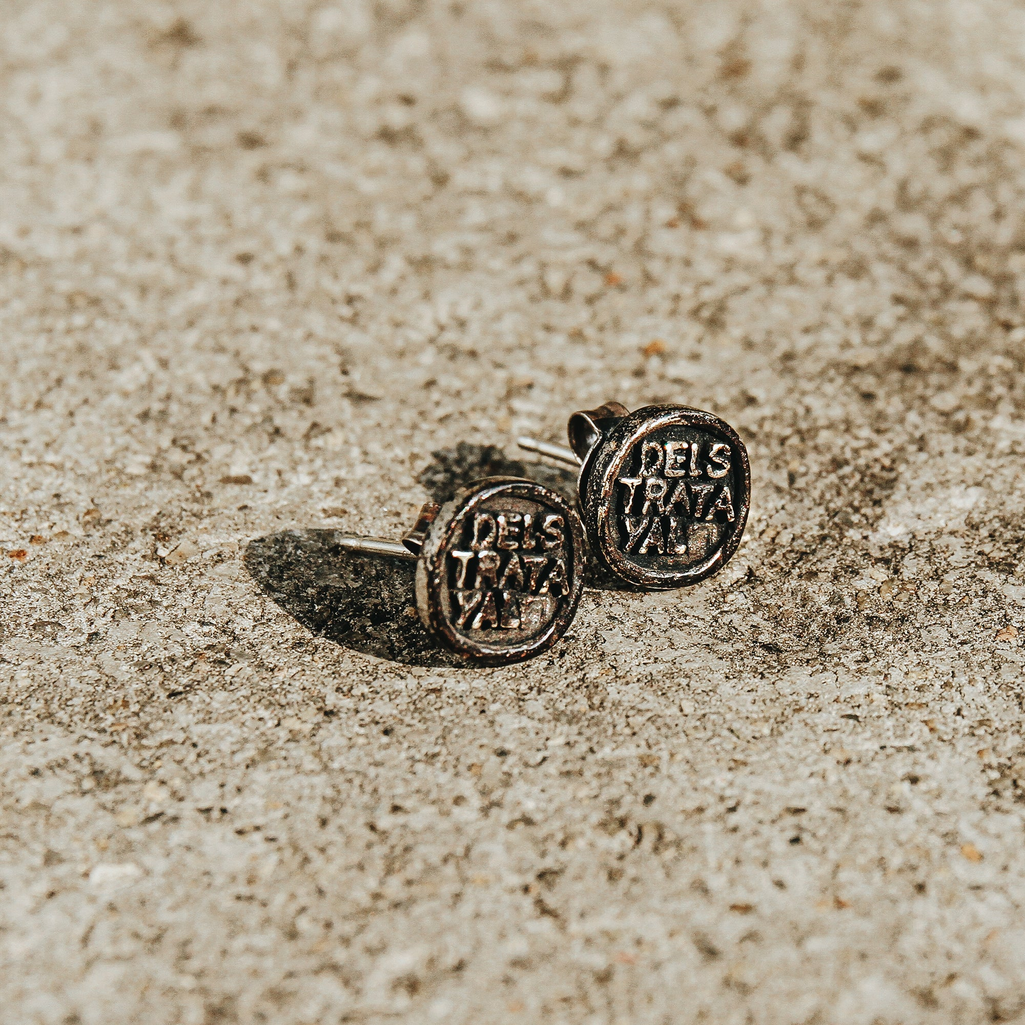 VERSED | Lettered Round Stud Earrings