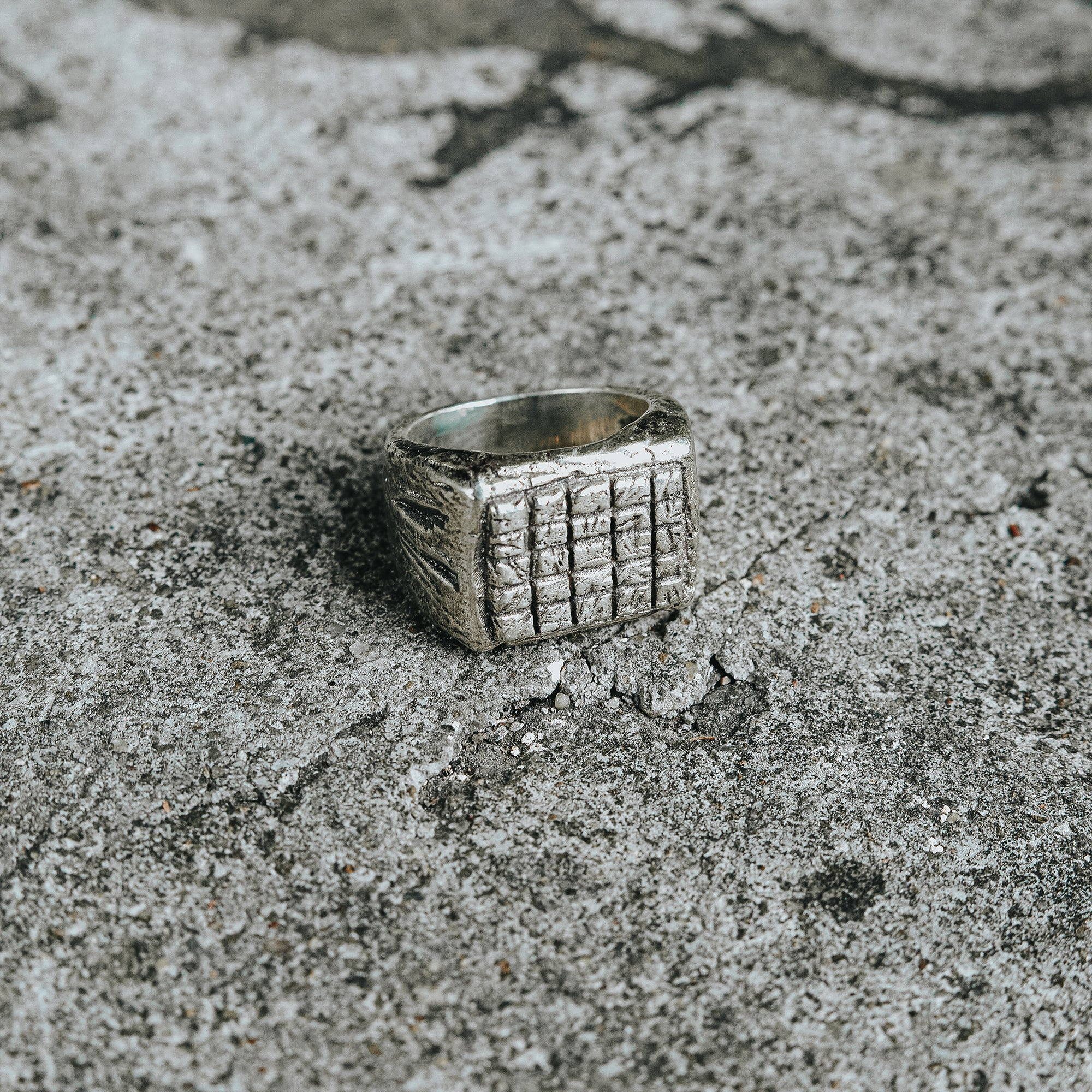 RELIC | Rectangle Ring with Small Raised Textured Squares