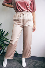 Afbeelding in Gallery-weergave laden, Molly satin trousers