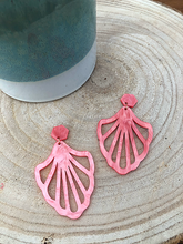 Afbeelding in Gallery-weergave laden, Ariel earrings (pink)