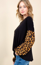 Load image into Gallery viewer, Leopard Print Puff Sleeve Top