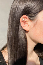 Load image into Gallery viewer, Shikama | Oyster Ear Cuff