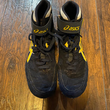 Load image into Gallery viewer, Asics Blue/Yellow Aggressor 2 Wrestling Shoes