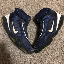Load image into Gallery viewer, Nike PSU kolat 2k4 wrestling shoes