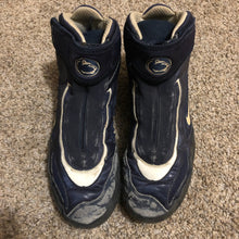 Load image into Gallery viewer, Penn state kolat 2k4 wrestling shoes