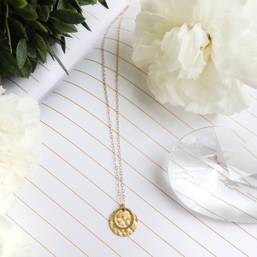 white pendant disk rotating necklace i diamond gold piaget