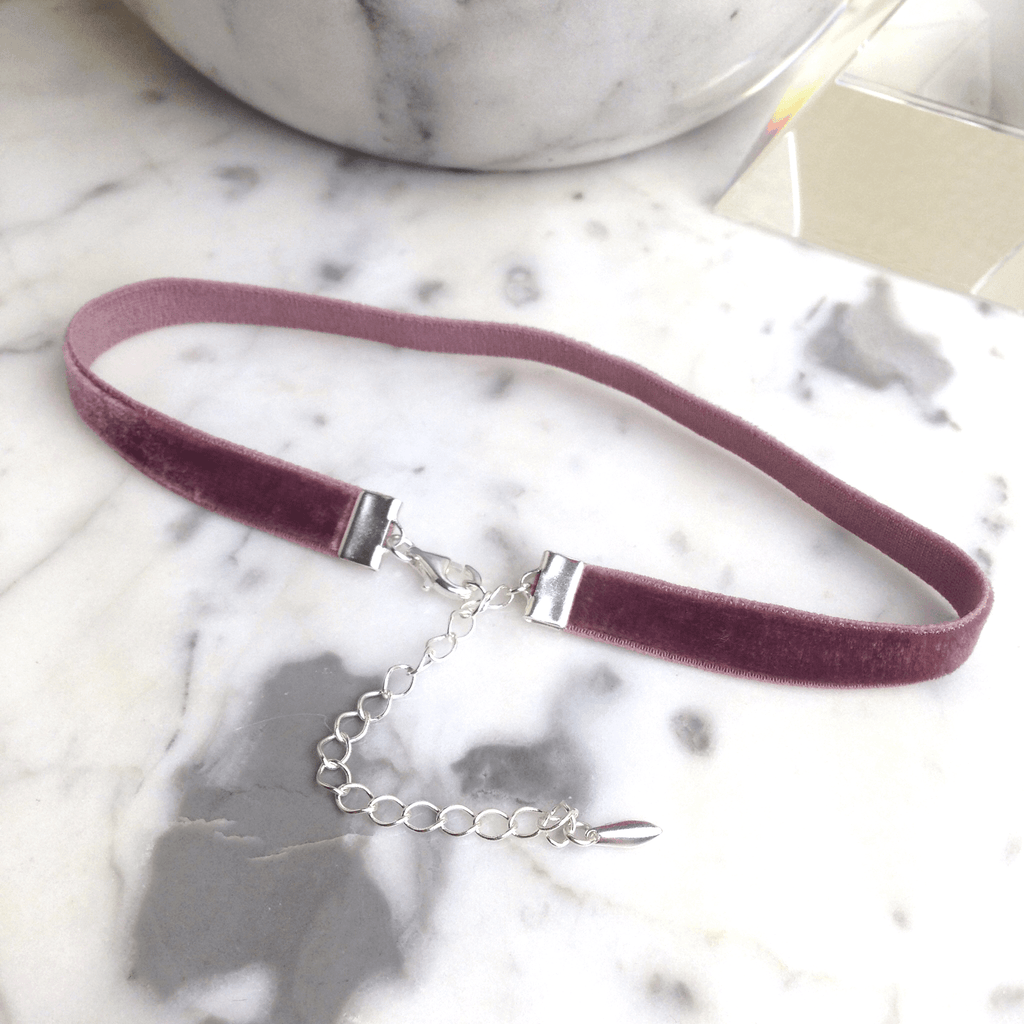 Chloe - Thin Rose Stretch Velvet Choker