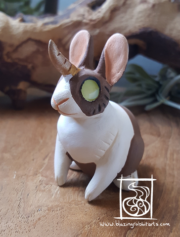 Sculpture Small Jackalope 'Rose'