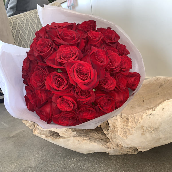 Pave style 60 Rose bouquet