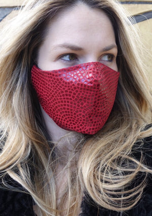 FACE MASK Leather Crackle Red Medium