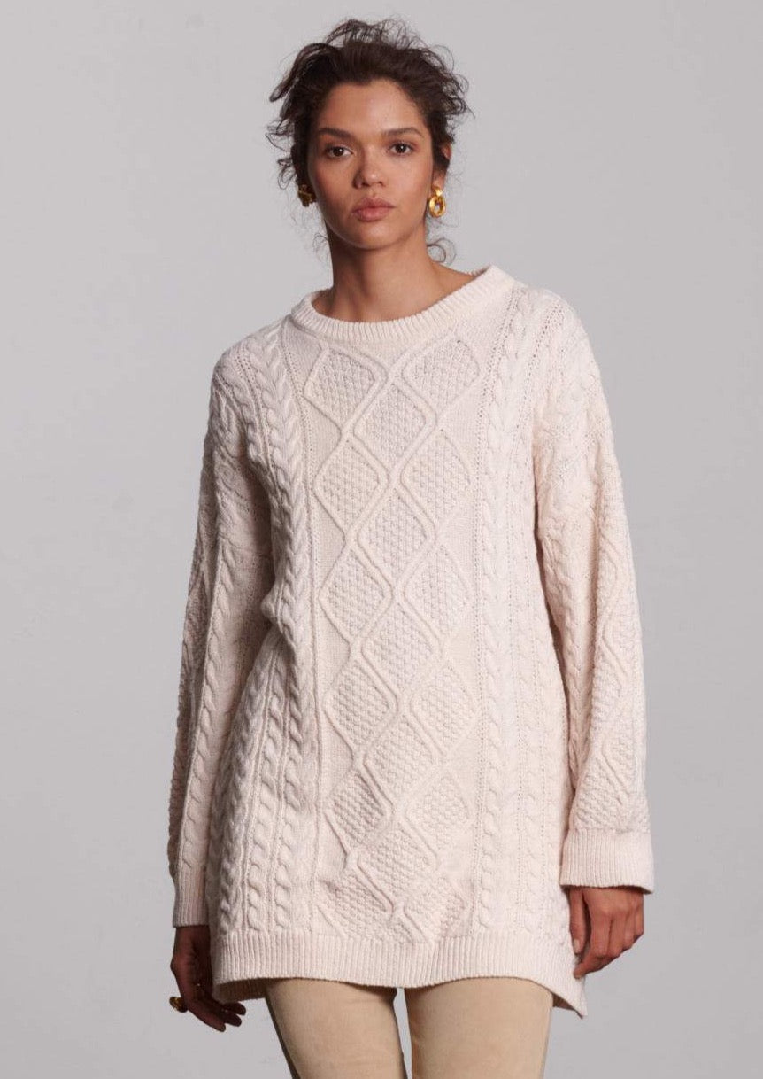 H U N T E R  Cable Knit Sweater