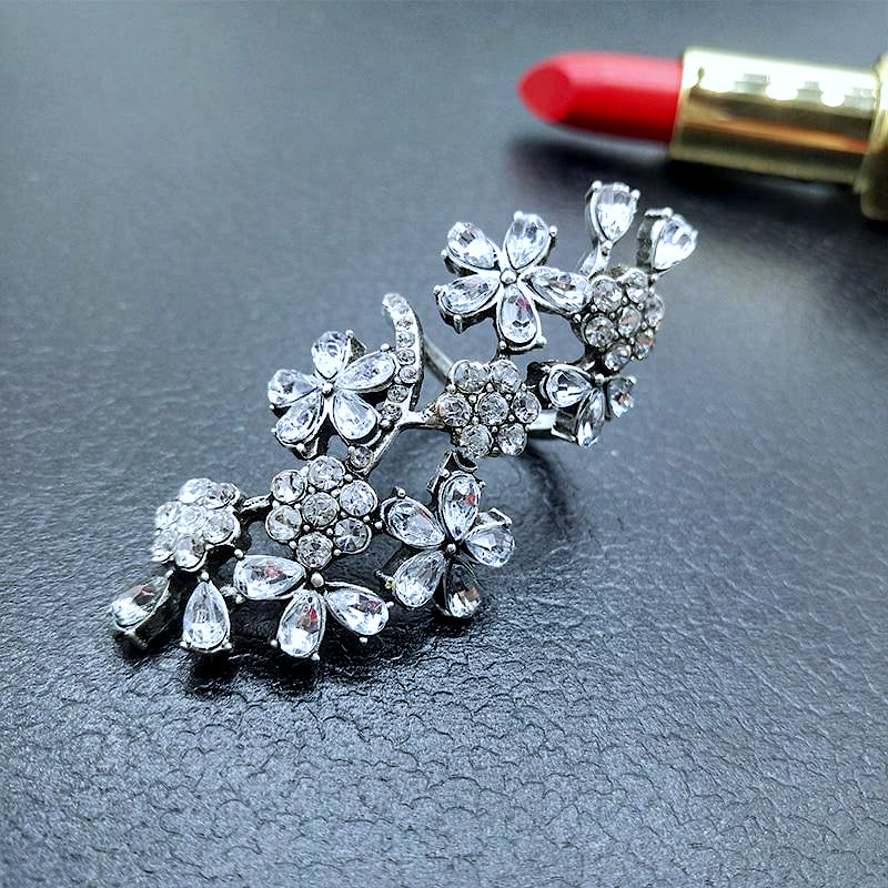 Perla Crystal Flower Ring